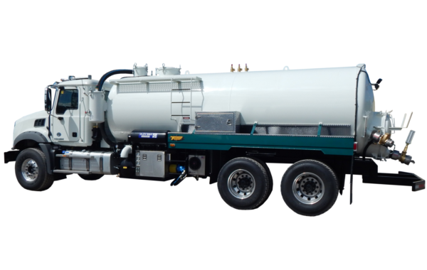 3400 US GALLON INDUSTRIAL VACUUM TRUCK