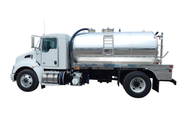 2200 US GALLON SEPTIC TRUCK