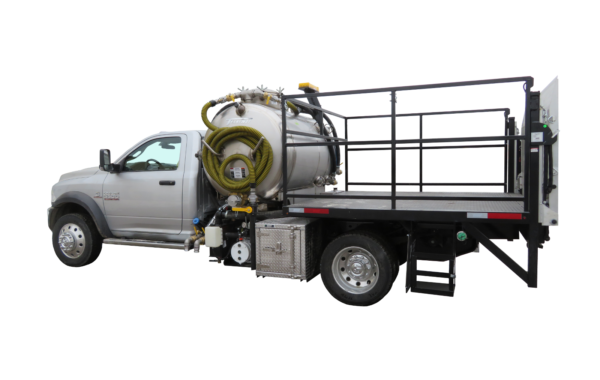 650 US GALLON VACUUM TOILET TRUCK